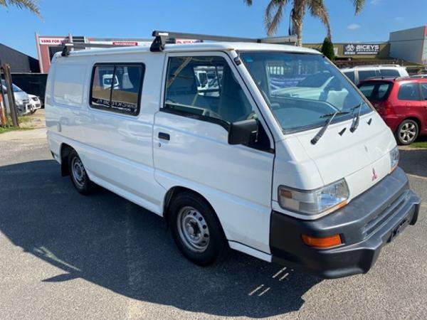 2012 Mitsubishi Express CAMPERVAN Camper White 5 Speed Manual